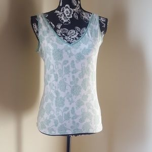 🎁Gap Green and White Floral Tank Top